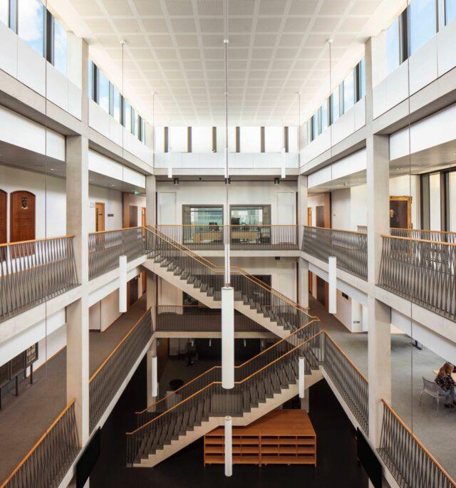 St Paul's School image